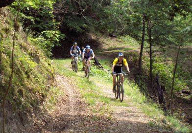 Primii turiști pe biciclete prin Munții Pădurea Craiului